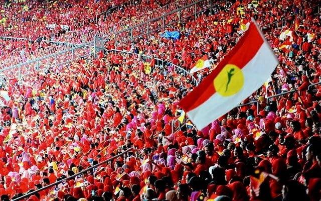 Panas !!! Keluar kerajaan : Ini senarai MP Umno akur dan ingkar – Zaharin