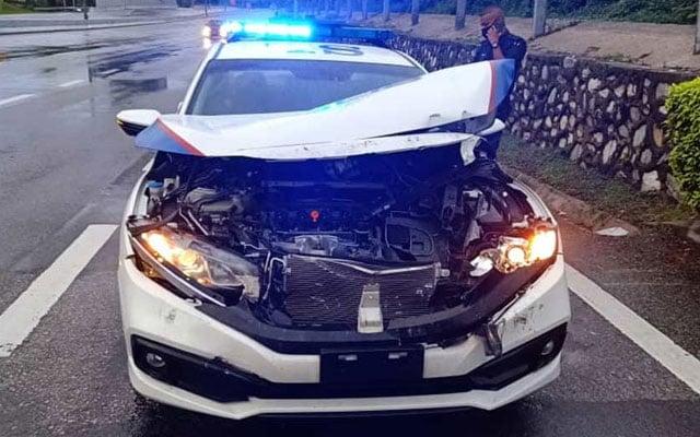 Honda Civic Polis hancur 'dikerjakan' sebelum cabut lari