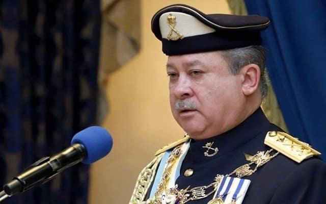 Panas !!! Sultan Johor beri amaran bubarkan Dun