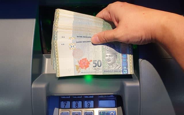 Pelajar Malaysia terkejut tengok akaun bank ada RM13.85 juta