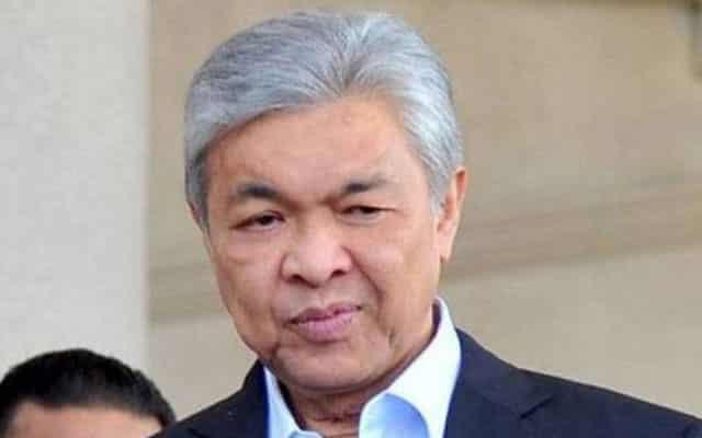 Zahid akui 8 surat akuan tarik sokongan telah dipersembah kepada Agong